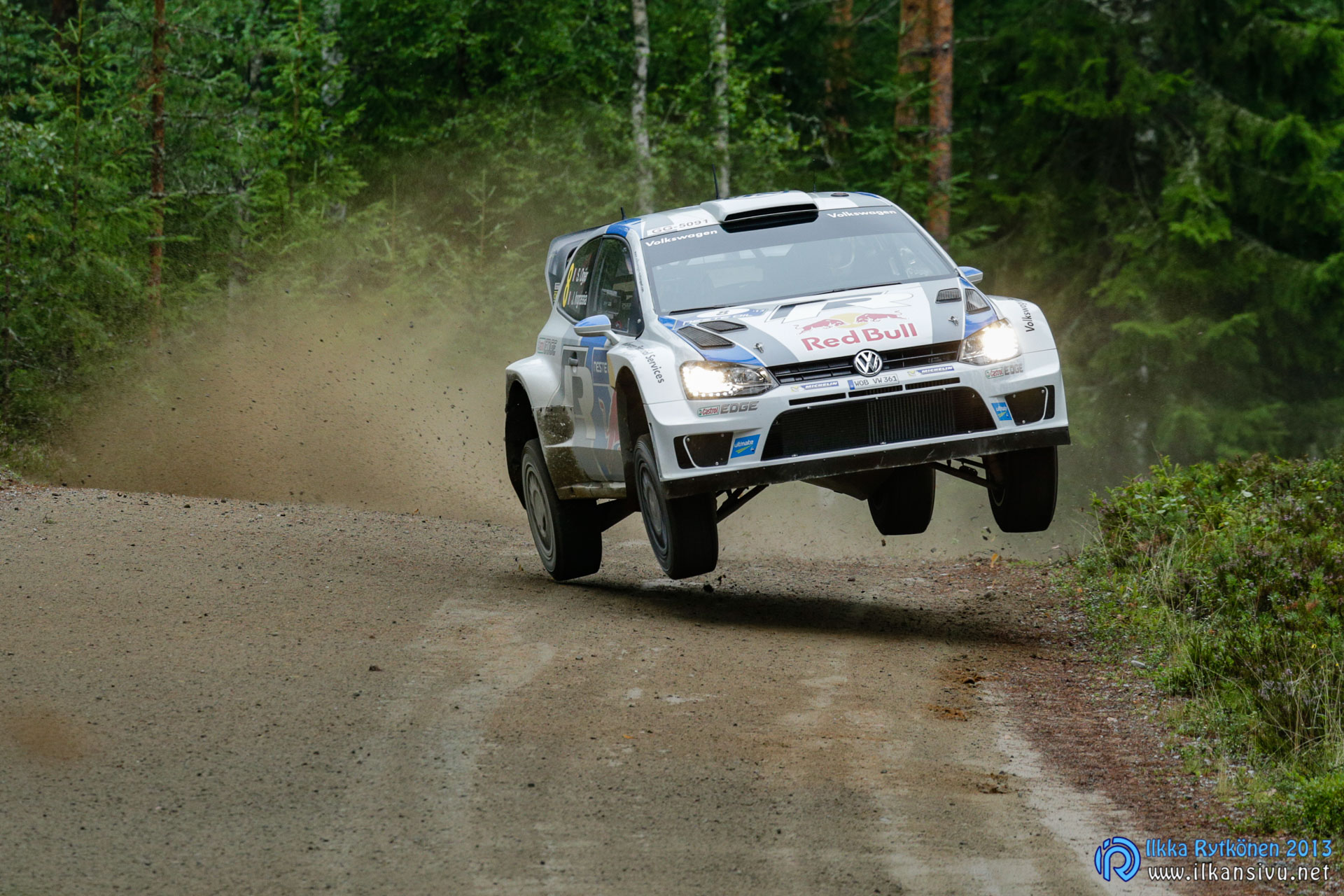 1/400 s, f/8, ISO 2000, 400 mm, EF100-400mm f/4.5-5.6L IS USM, Neste Oil Rally Finland 2013, Sebastien Ogier